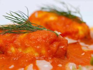 Koolvis met tomaat